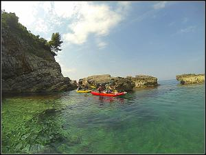 Kayaking Blue Cave